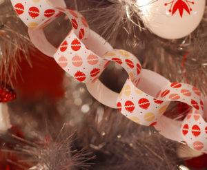 Новогодние игрушки из бумаги (1)