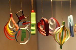 Новогодние игрушки из бумаги (11)