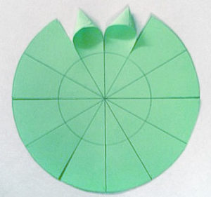 Ёлочки из бумаги (28)
