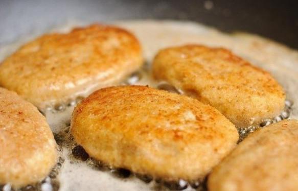 Куриные котлеты с сыром. Этот вкус сведет с ума кого угодно!