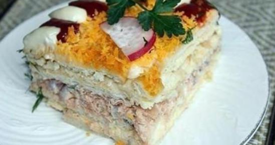 Необыкновенный закусочный торт из крекеров...