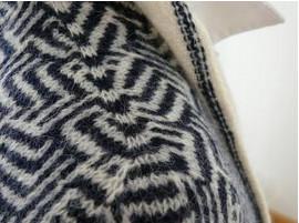 Легкий в освоении и увлекательный метод Contiguous бесшовного вязания изделия с втачным рукавом...