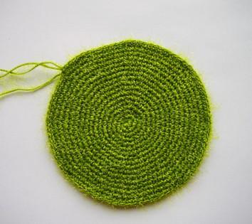 Мастер-класс: сувенирная вязаная ёлочка...